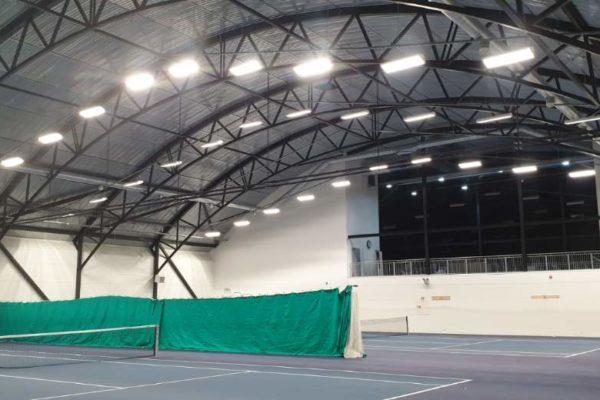 Hurra – nye lys i Tennishallen